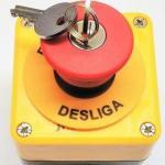 Botão de emergência com chave